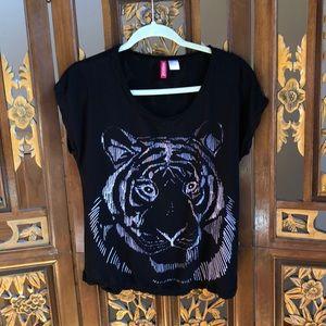 H&M Black Graphic Tee Size 8
